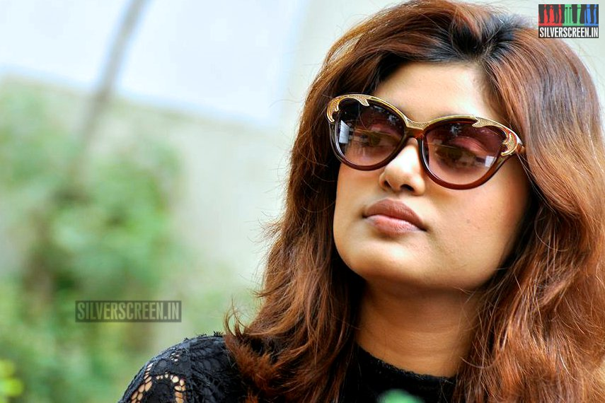 Tears flow as Oviya leaves Tamil 'Bigg Boss' house