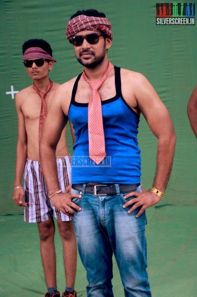 yaavum-kadhale-movie-stills-010