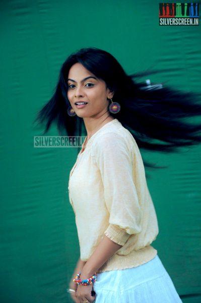 yaavum-kadhale-movie-stills-031