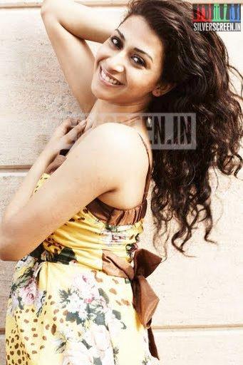 actress-gayathri-iyer-photoshoot-stills-004