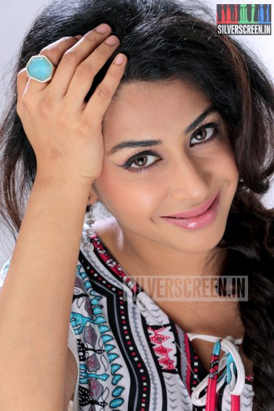 actress-gayathri-iyer-photoshoot-stills-005