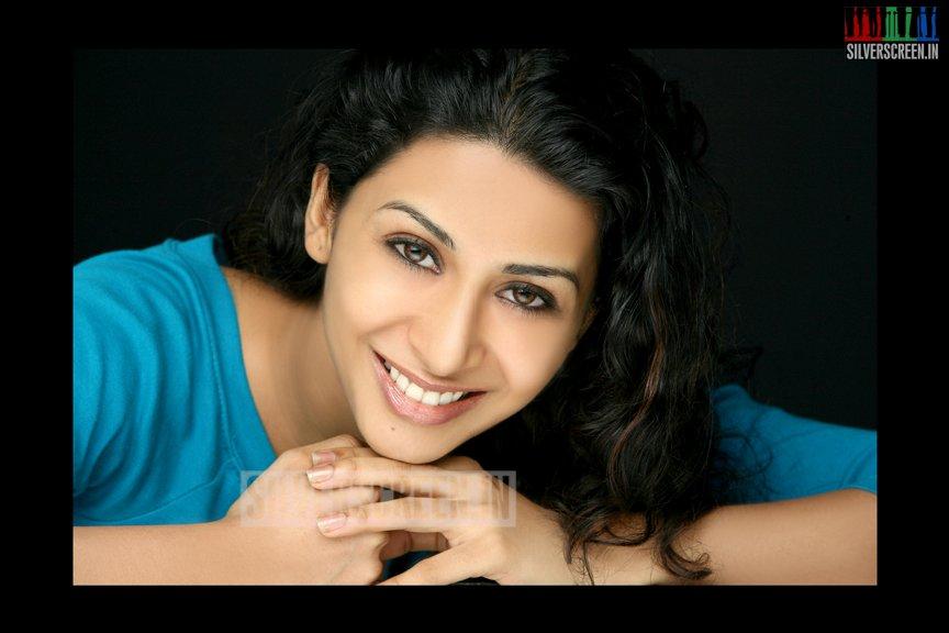 actress-gayathri-iyer-photoshoot-stills-007