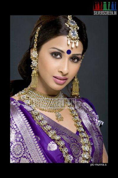 actress-gayathri-iyer-photoshoot-stills-008
