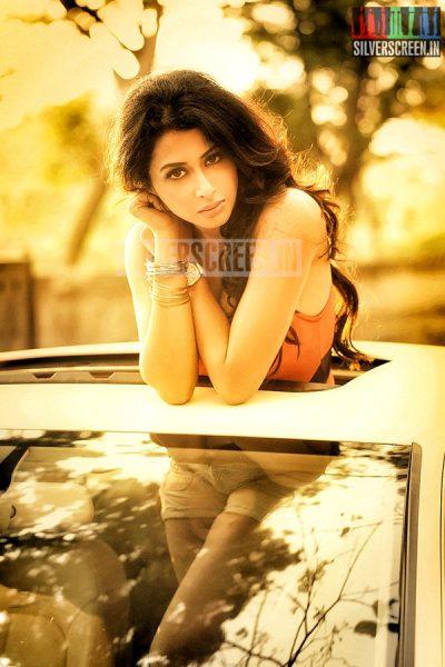 actress-gayathri-iyer-photoshoot-stills-018