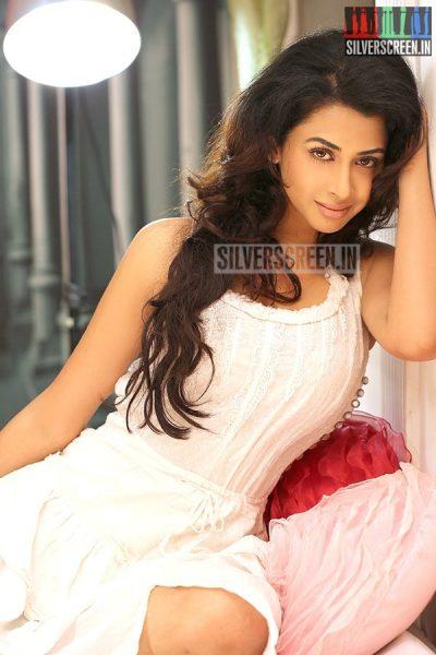 actress-gayathri-iyer-photoshoot-stills-025