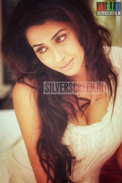 actress-gayathri-iyer-photoshoot-stills-027