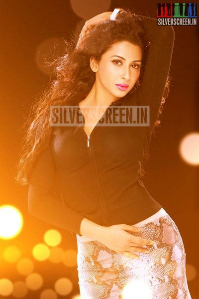 actress-gayathri-iyer-photoshoot-stills-031