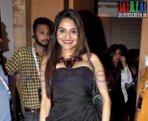 �roja� actress madhoo shah joins �aarambh� � silverscreenin