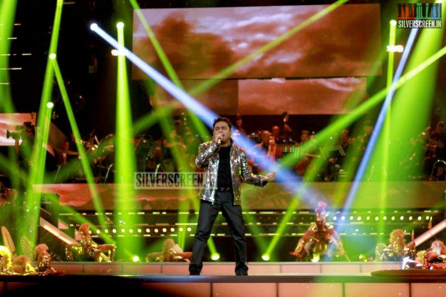 ar-rahman-news-7-global-concert-stills-015