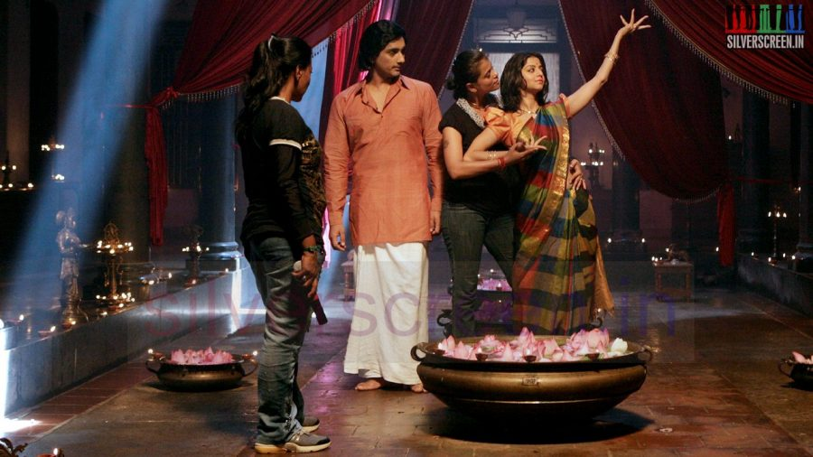 kaaviya-thalaivan-movie-stills-023