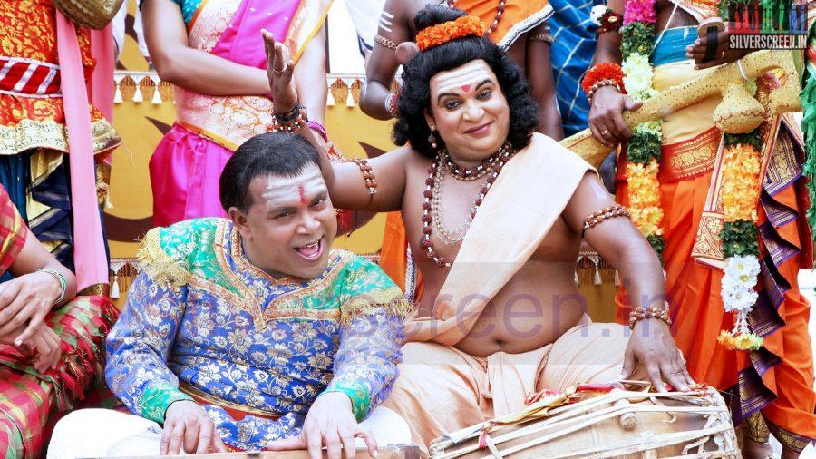 kaaviya-thalaivan-movie-stills-033