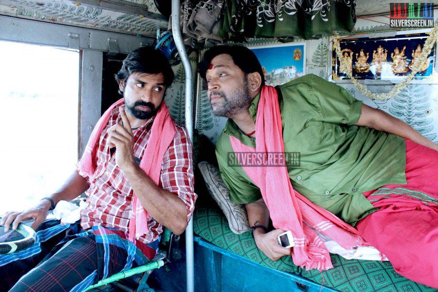 kaaviya-thalaivan-movie-stills-076
