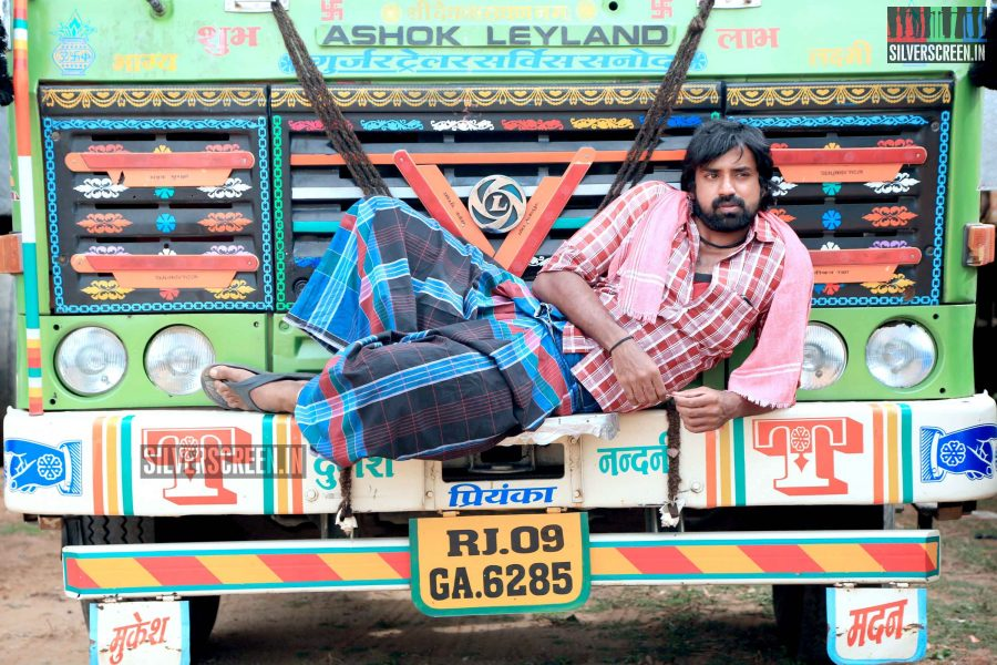kaaviya-thalaivan-movie-stills-079