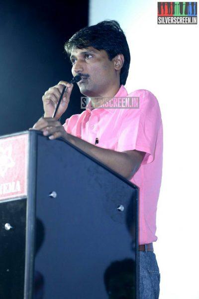 kadha-solla-porom-audio-launch-photos-lq-039