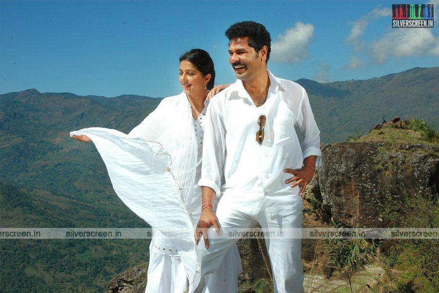 Kalavaadiya Pozhudhugal Movie Stills Starring Prabhu Deva and Bhumika Chawla