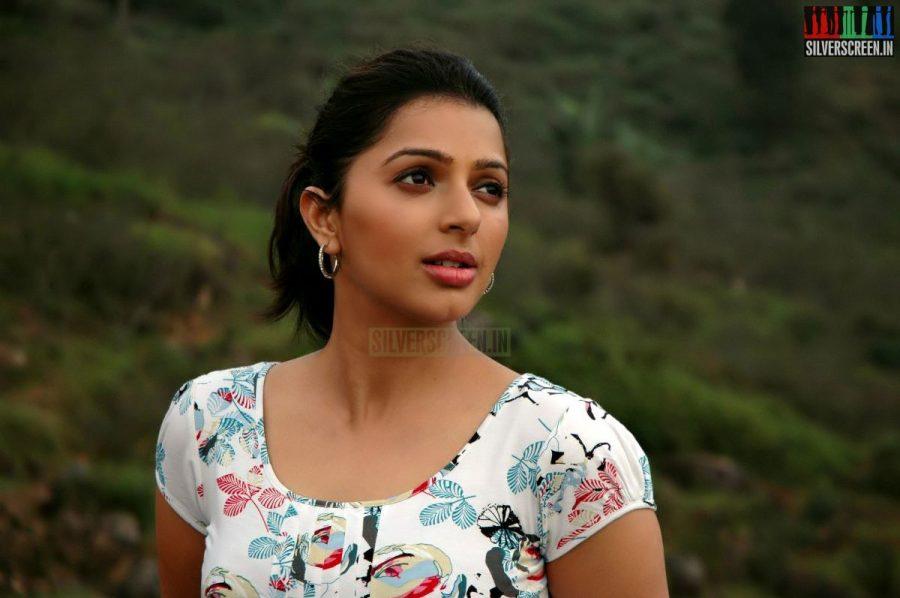 kalavaadiya-pozhuthugal-movie-stills-004