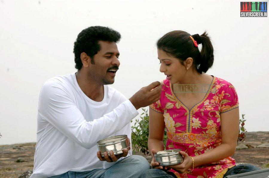 kalavaadiya-pozhuthugal-movie-stills-006