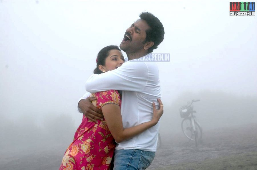 kalavaadiya-pozhuthugal-movie-stills-007