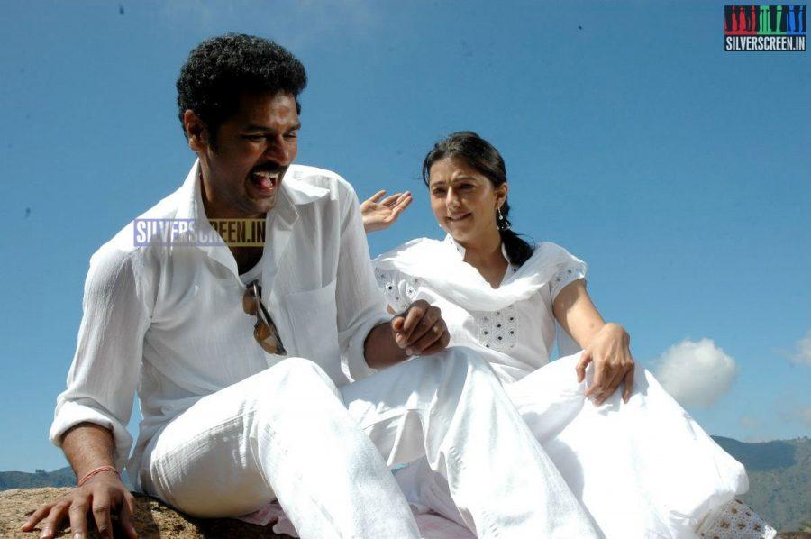kalavaadiya-pozhuthugal-movie-stills-012