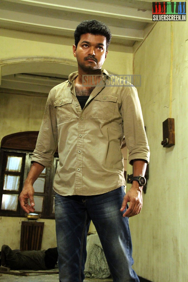 kaththi movie stills | silverscreen.in