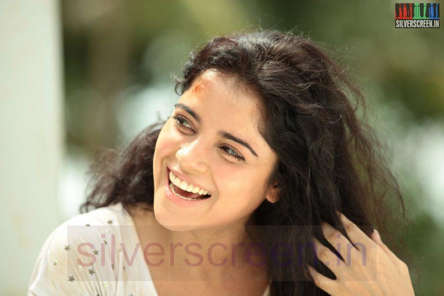 Actress Piaa Bajpai in Nerungi Vaa Muthamidathe Movie Working Stills