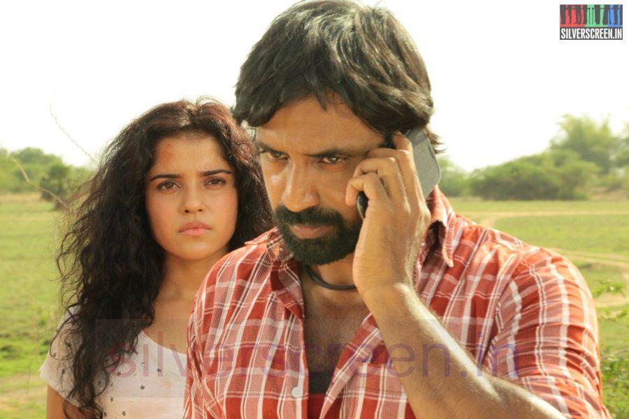 Actor Shabeer and Piaa Bajpai in Nerungi Vaa Muthamidathe Movie Working Stills