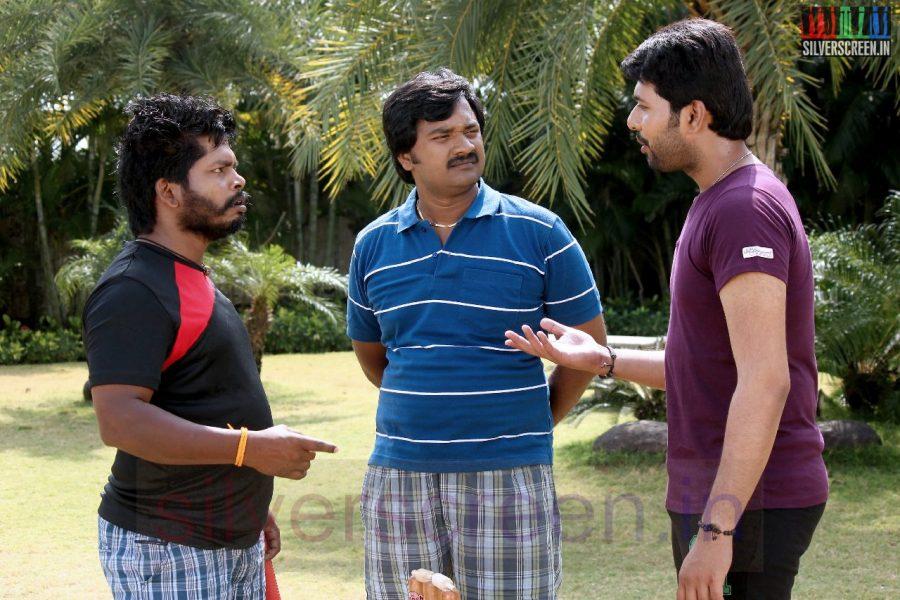 Actor Vinay Krishna and Jeeva in 1 Pandhu 4 Run 1 Wicket Movie Stills