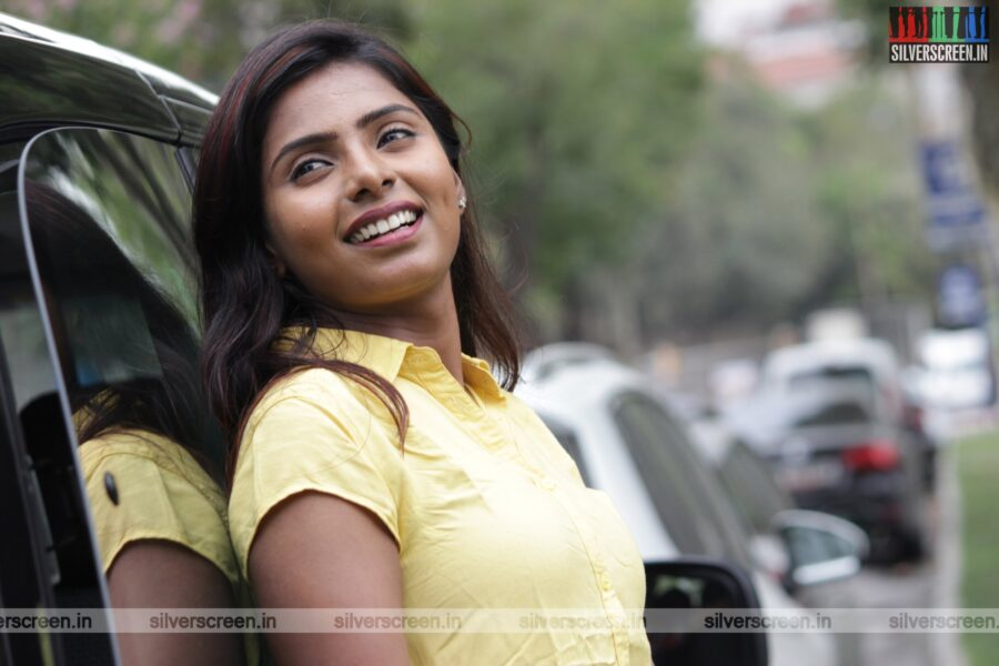 Meendum Oru Mariyathai Movie Stills