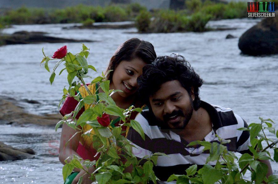 nanayatha-mazhaiye-movie-stills-002