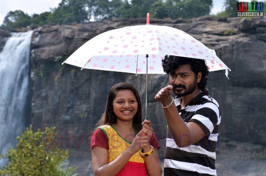 nanayatha-mazhaiye-movie-stills-035