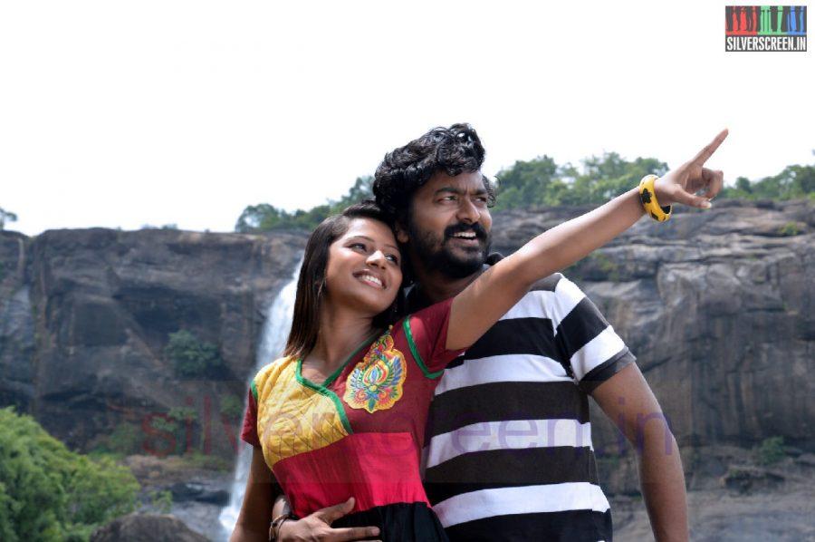 nanayatha-mazhaiye-movie-stills-037