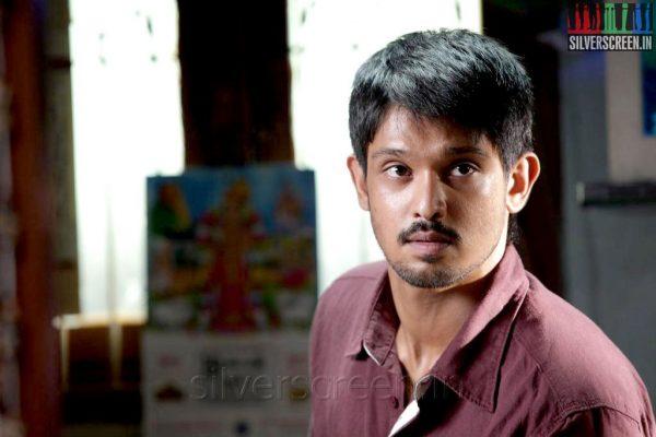 Actor Nakul in Tamilukku En Ondrai Aluthavum Movie Stills