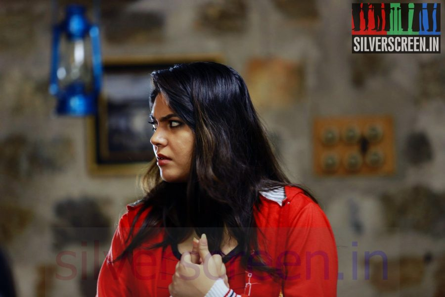 Actress Sherin in Thigil Movie