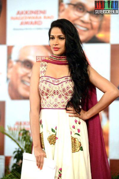 actress-lavanya-tripathi-at-anr-awards-2013-photos-021.jpg