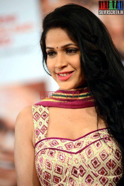 actress-lavanya-tripathi-at-anr-awards-2013-photos-030.jpg