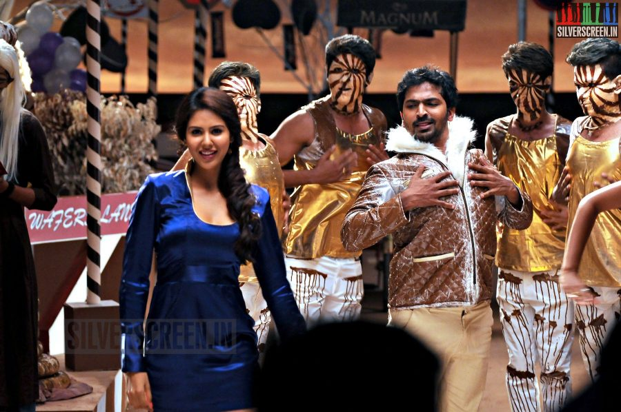 Actor Vaibhav and Actress Sonam Bajwa in Kappal Movie Stills