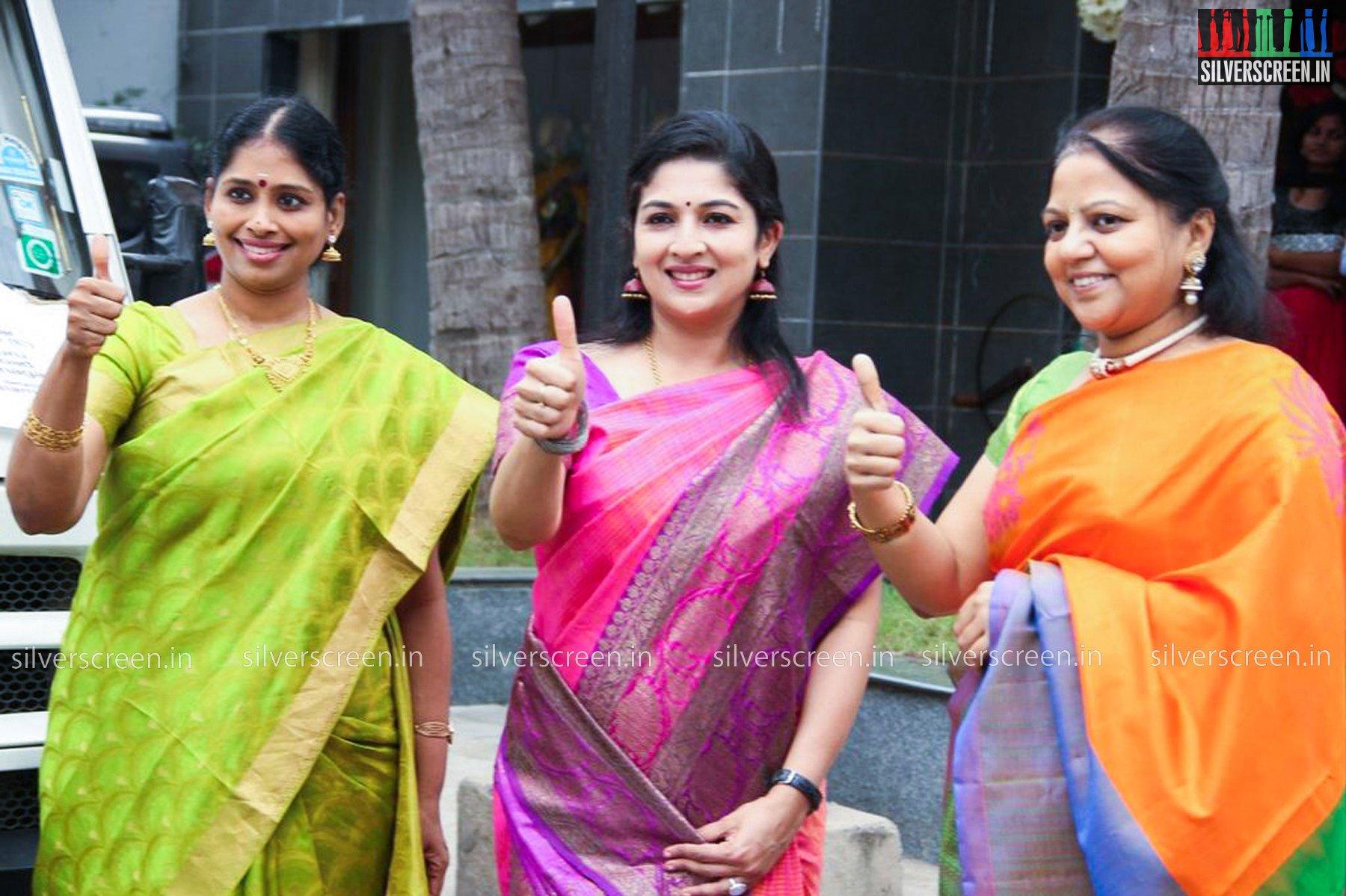 Singers Promote Carnatic Music Season Photos – Silverscreen in