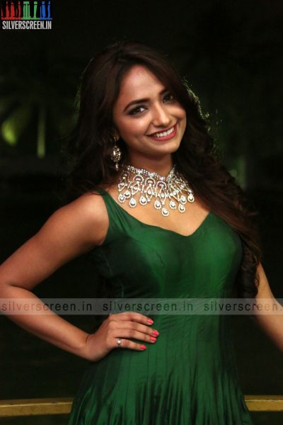 actress-jiya-hyderabad-love-story-audio-launch-photos-004.jpg