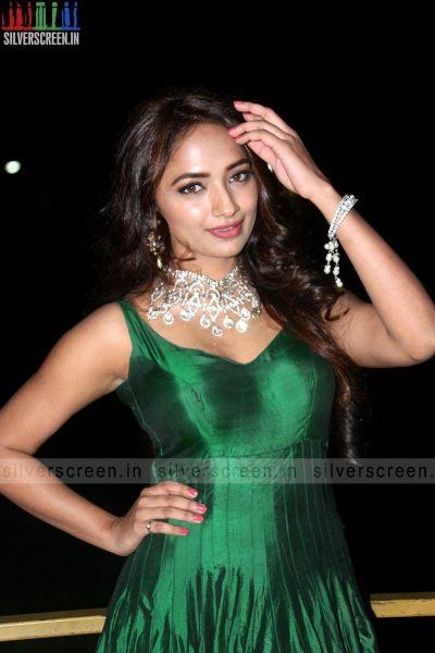 actress-jiya-hyderabad-love-story-audio-launch-photos-011.jpg