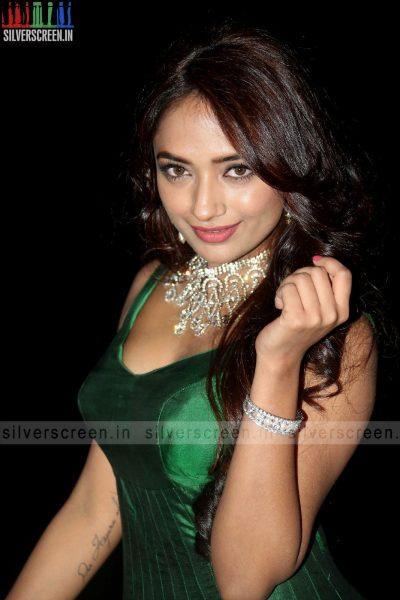 actress-jiya-hyderabad-love-story-audio-launch-photos-013.jpg