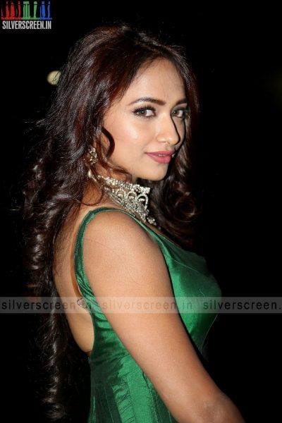actress-jiya-hyderabad-love-story-audio-launch-photos-015.jpg