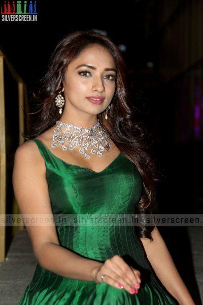 actress-jiya-hyderabad-love-story-audio-launch-photos-023.jpg