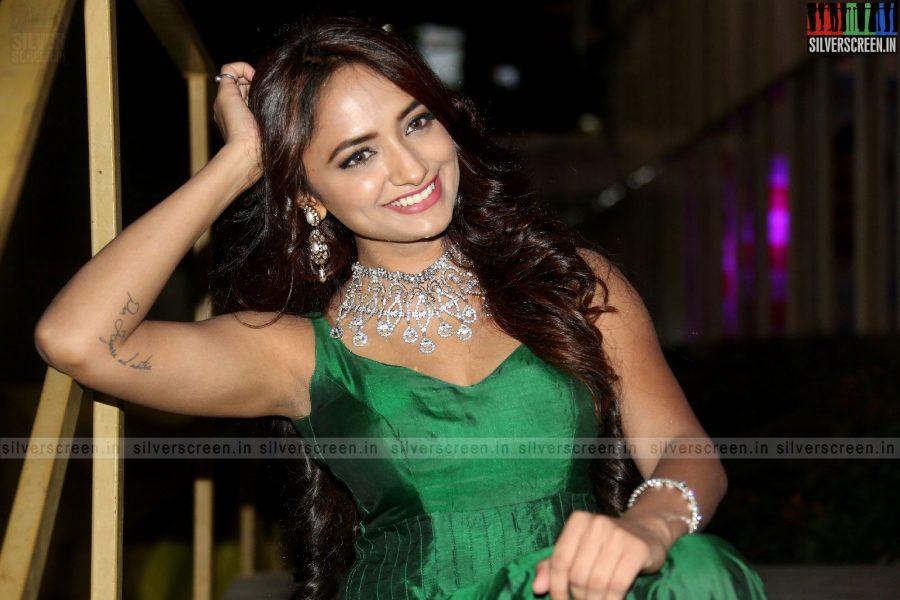 actress-jiya-hyderabad-love-story-audio-launch-photos-024.jpg