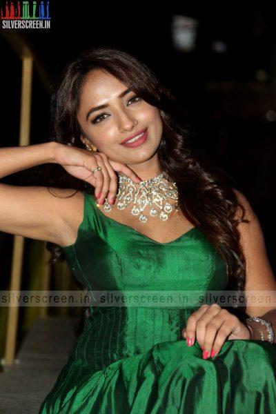 actress-jiya-hyderabad-love-story-audio-launch-photos-028.jpg