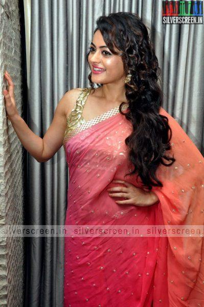 actress-shruti-sodhi-at-patas-audio-launch-event-photos-034.jpg