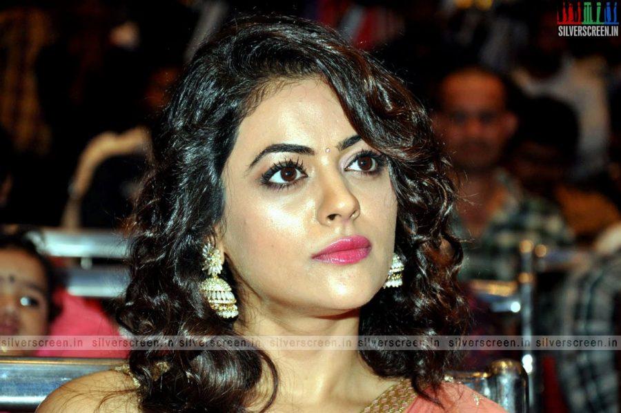 actress-shruti-sodhi-at-patas-audio-launch-event-photos-045.jpg
