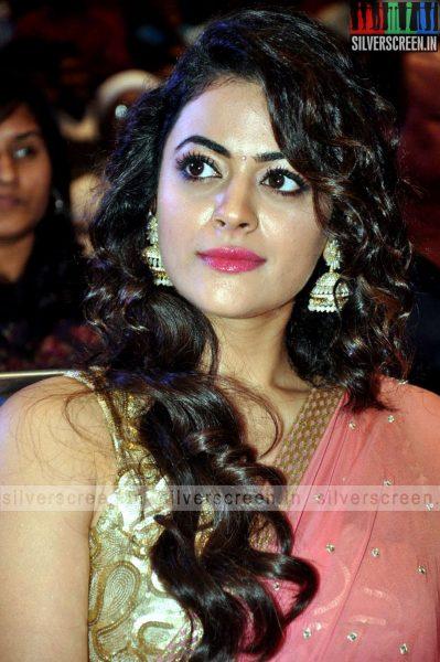 actress-shruti-sodhi-at-patas-audio-launch-event-photos-050.jpg