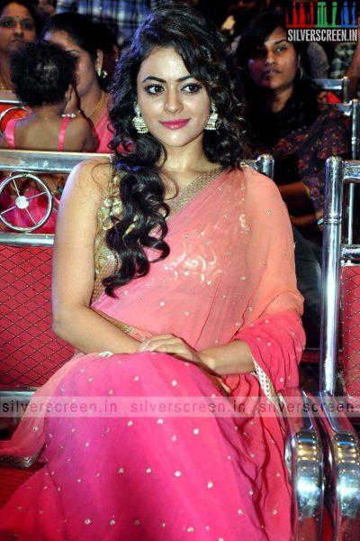 actress-shruti-sodhi-at-patas-audio-launch-event-photos-055.jpg