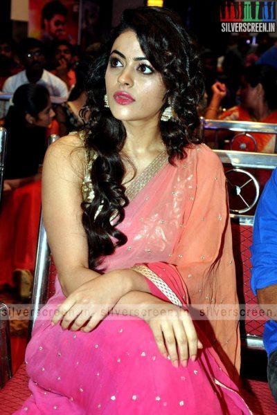 actress-shruti-sodhi-at-patas-audio-launch-event-photos-064.jpg