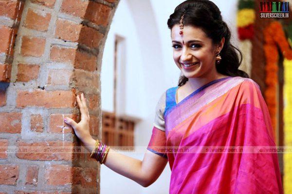 ajith-55-movie-stills-anushka-gautham-menon-trisha-055.jpg